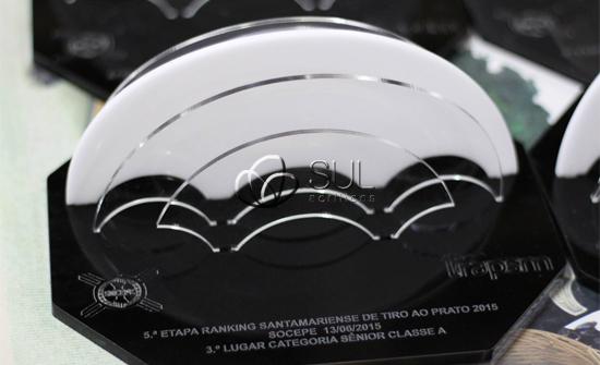 Troféu de Acrílico confeccionado para competição de tiro