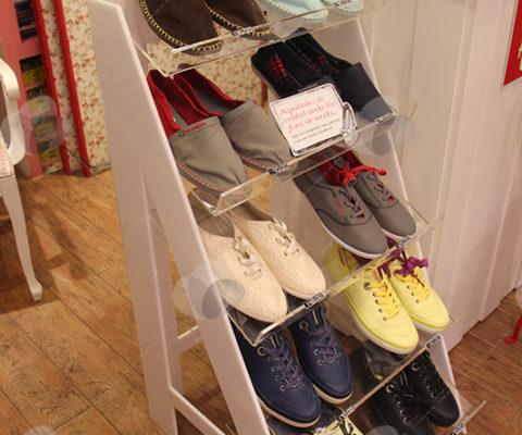 Expositor para Sapatos em Acrílico