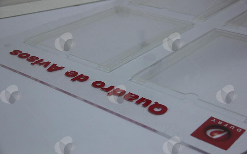 Mural quadro gestão a vista em acrílico personalizado com adesivagem