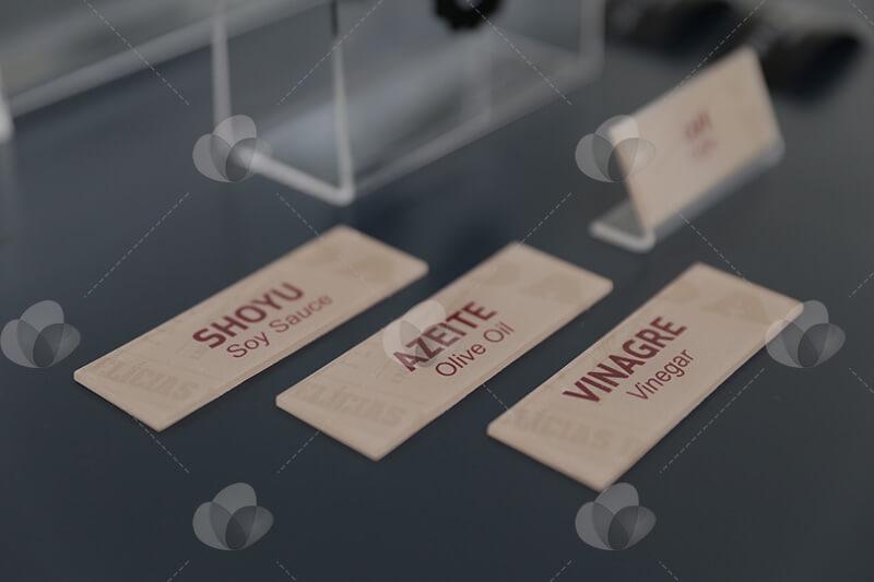 Placas de identificação em acrílico