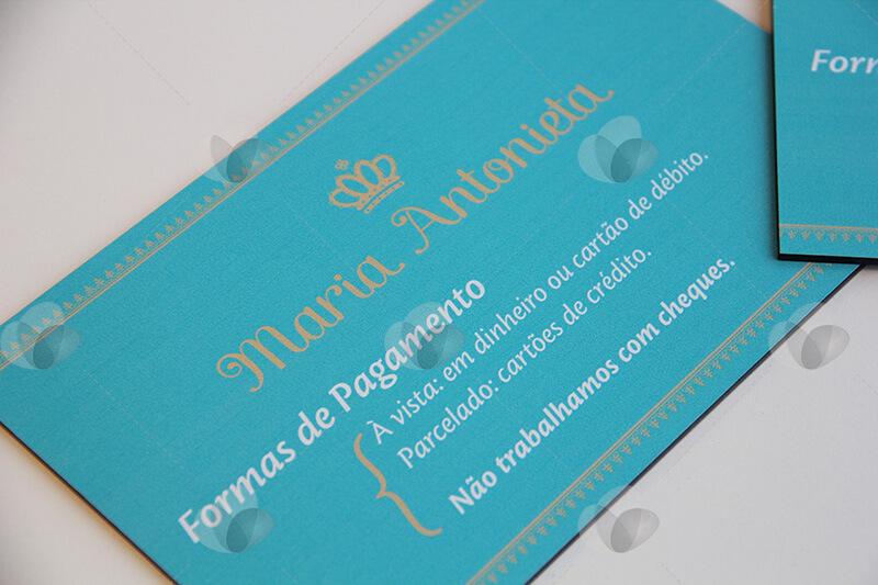 Placa de comunicação de informativos em acrílico personalizada com adesivagem frontal