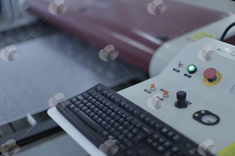 Máquina laser para corte de acrílico