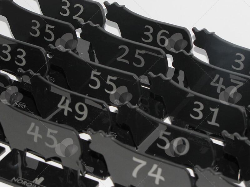 Identificadores marcadores de mesa no formato de gado feito em acrílico com corte a laser
