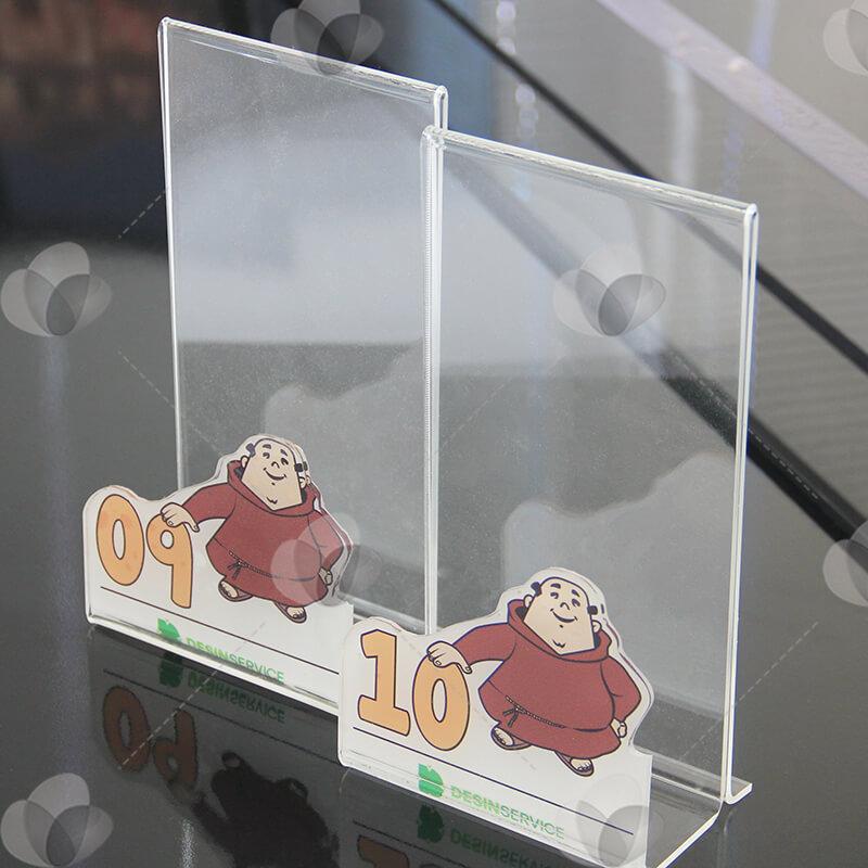 Porta guardanapos em acrílico cristal, personalizados com adesivagem e com suporte para inserir mídia