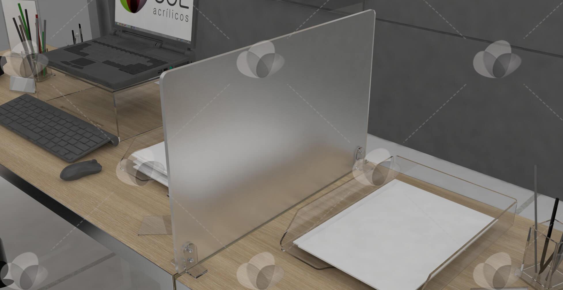 Divisória de ambientes feita em acrílico, para mesas de escritórios
