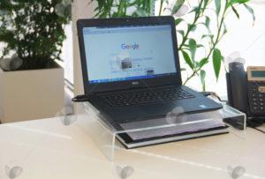 Suporte para elevar notebook em escritórios e lojas para oferecer mais conforto ao usuário