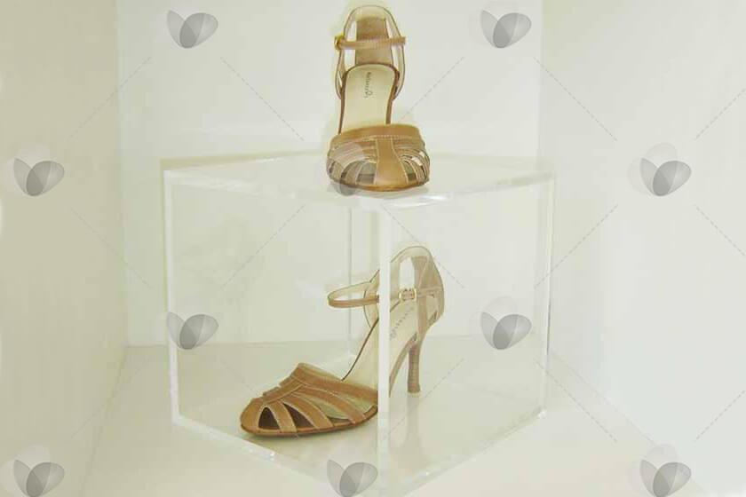 Cubo Expositor de Sapatos em Acrílico