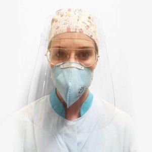 Máscara Face Shield feita em petg em uso