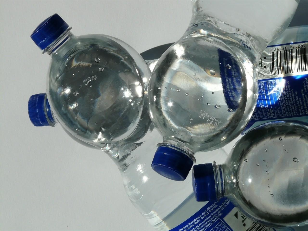 Garrafas produzidas com o polímero PET